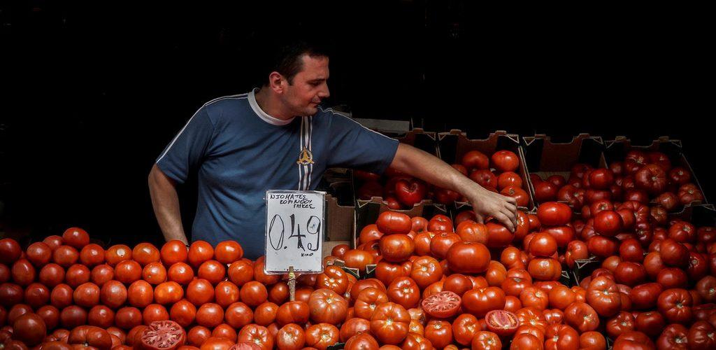 بائع الطماطم..!